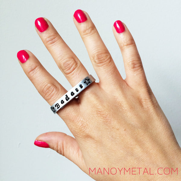 QUEEN {thin bar double-finger ring}