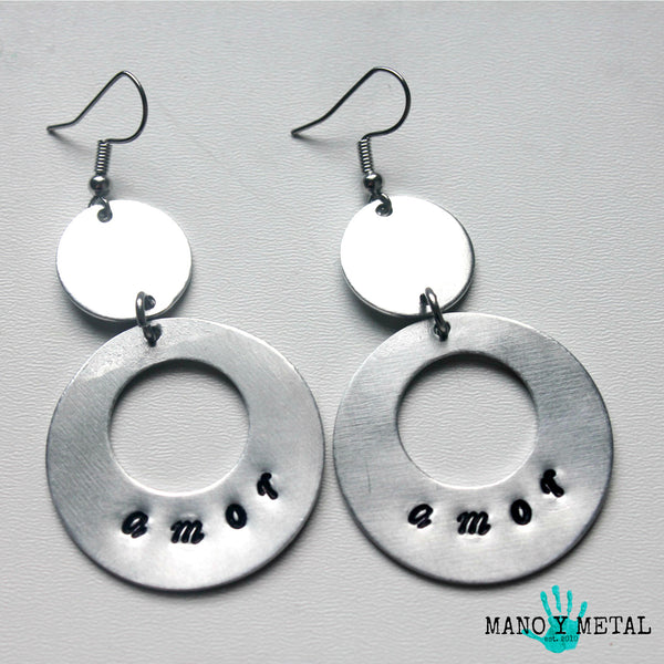 amor::: {circle dangle earrings)