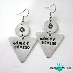 amor eterno::: {triangle dangle earrings}