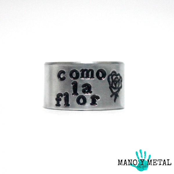 COMO LA FLOR::: {hand stamped adjustable ring}