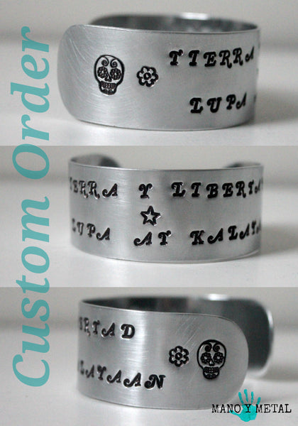 Customize a Medium Cuff Bracelet:::