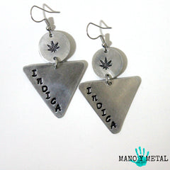 indica::: {triangle dangle earrings)