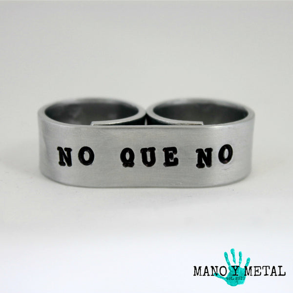 NO QUE NO::: {double-finger ring}