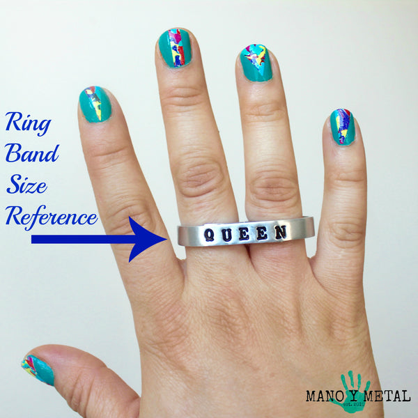 QUE VES {thin bar double-finger ring}