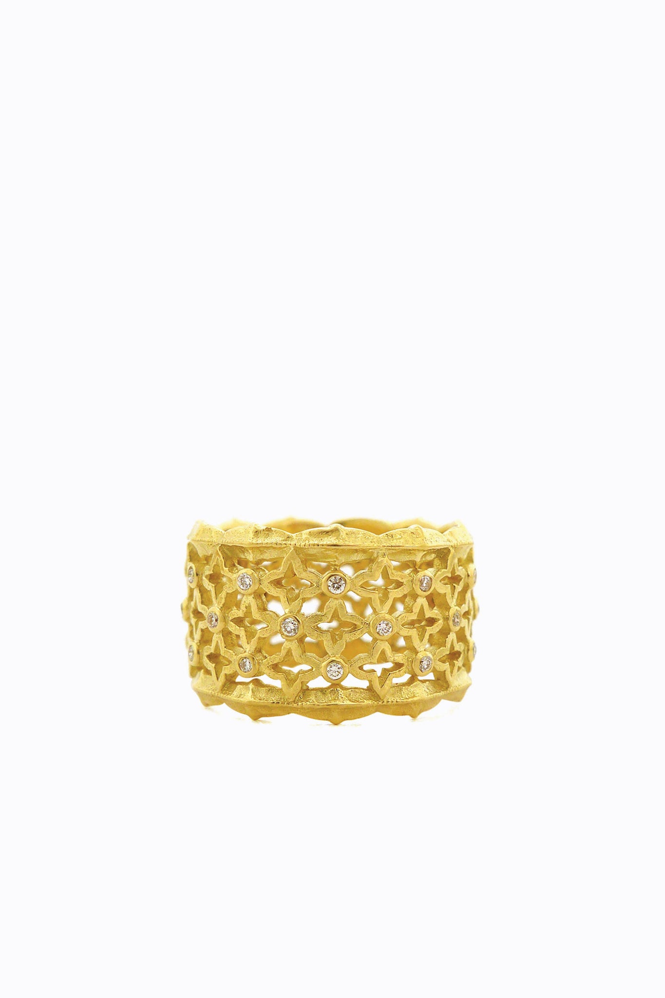 Lattice Ring with Scallop Edge