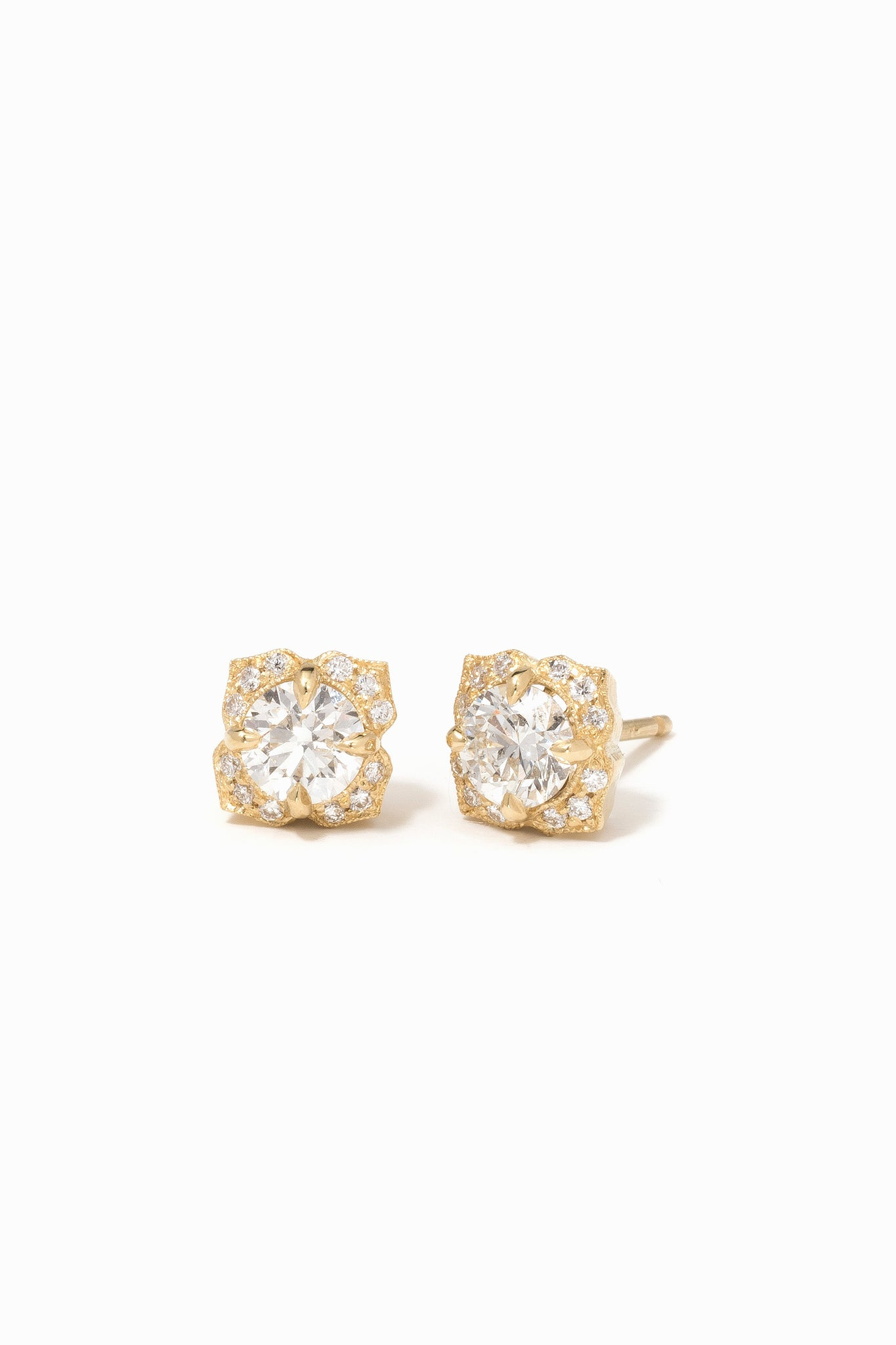 Petite Fiore Earrings