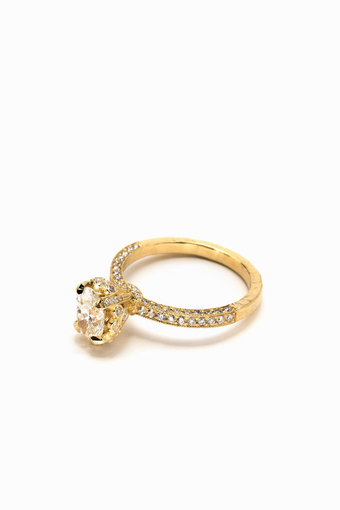Oval Odelia Ring