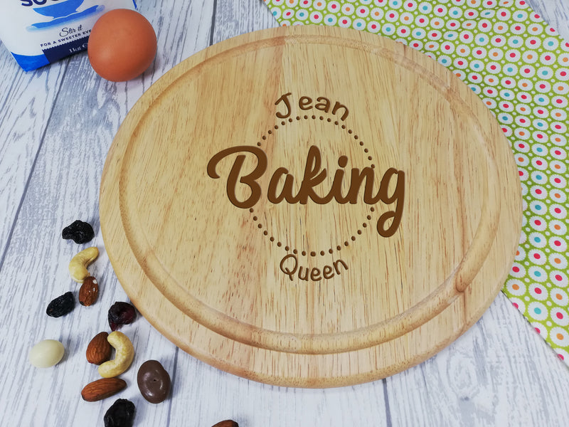 Personalised Engraved Wooden Round Chopping board Baking Queen Gift Any Name