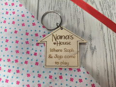 Personalised Wooden House Nana's house ... Key ring Keyring