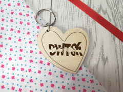 Personalised Wooden Heart Welsh Send a Cwtsh Hug Keyring