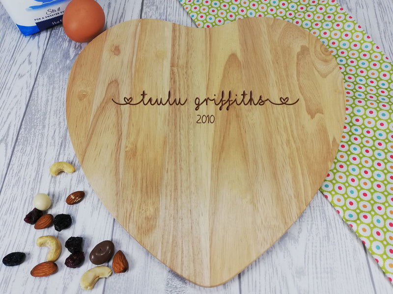 Personalised Engraved Wooden Heart Welsh Teulu Chopping board Wedding Gift Any Name Date