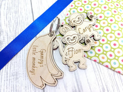 Personalised Wooden Monkey Keyring Key ring Daddy's little monkeys Any name Message