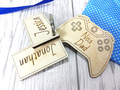 Personalised Wooden Gaming Keyring No1 Daddy Dad Grandad. Games console Any Name Kids  Key ring