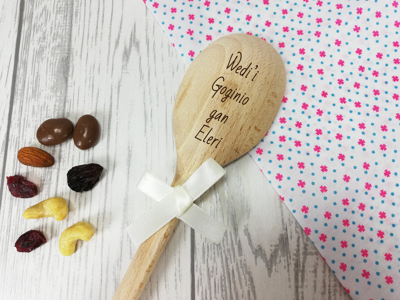 Personalised Engraved Welsh Wedi'i goginio gan Wooden Spoon Any name with or without ribbon
