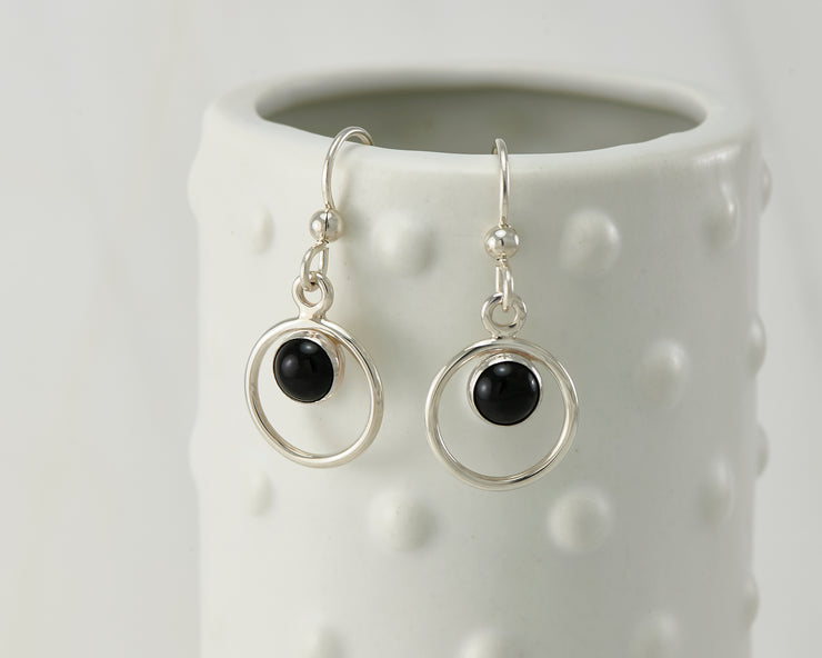 Silver polished black onyx earrings on dotted vase