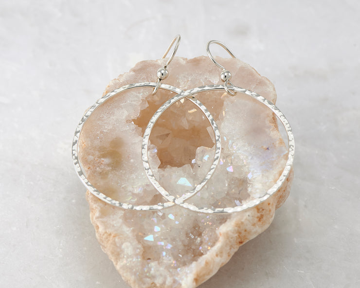 large hammered hoop silver earring in quartz