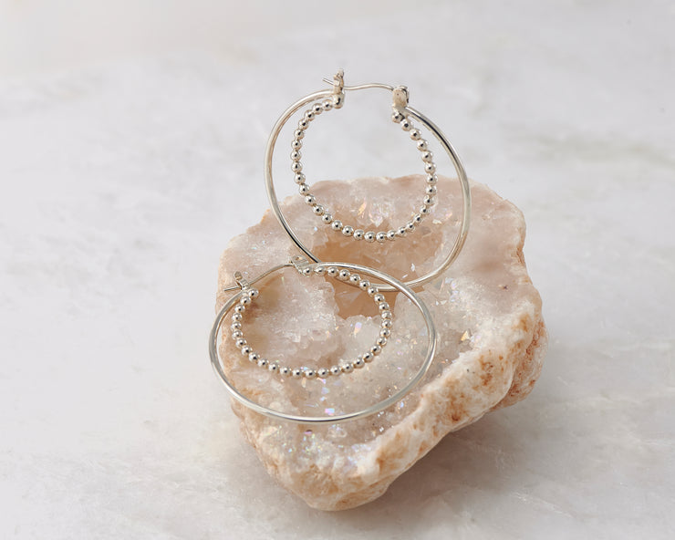 latch-back hoop silver polished earring in quartz