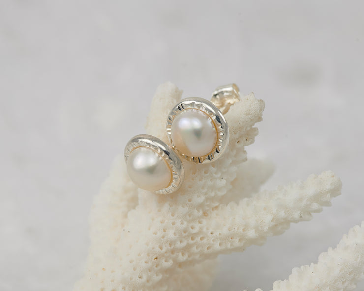Pearl Stud Earrings - Hammered
