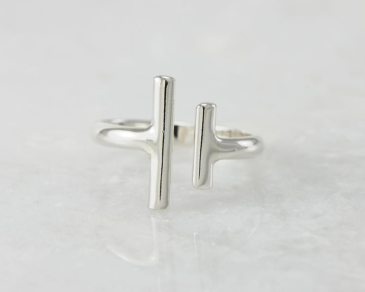 parallel bars ring on white marble