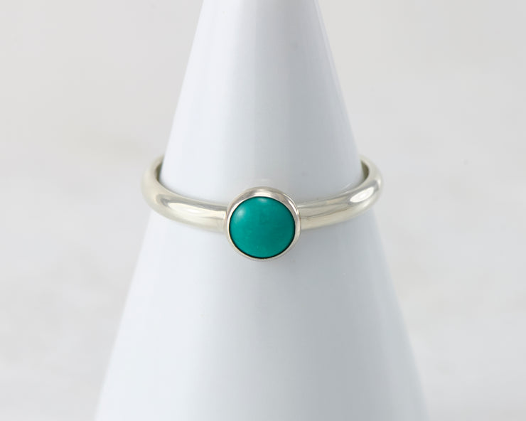 ring holder with silver turquoise ring