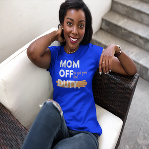 Mom off Duty/Short-Sleeve Unisex T-Shirt