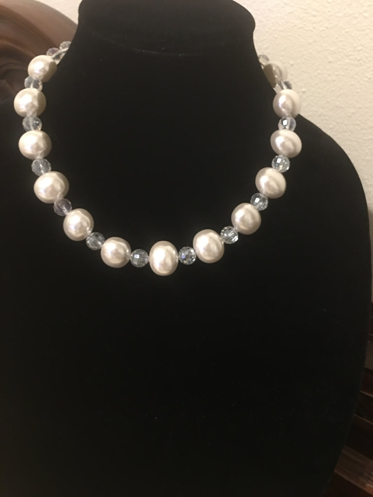 Single Strand Mother of Pearl and Crystals