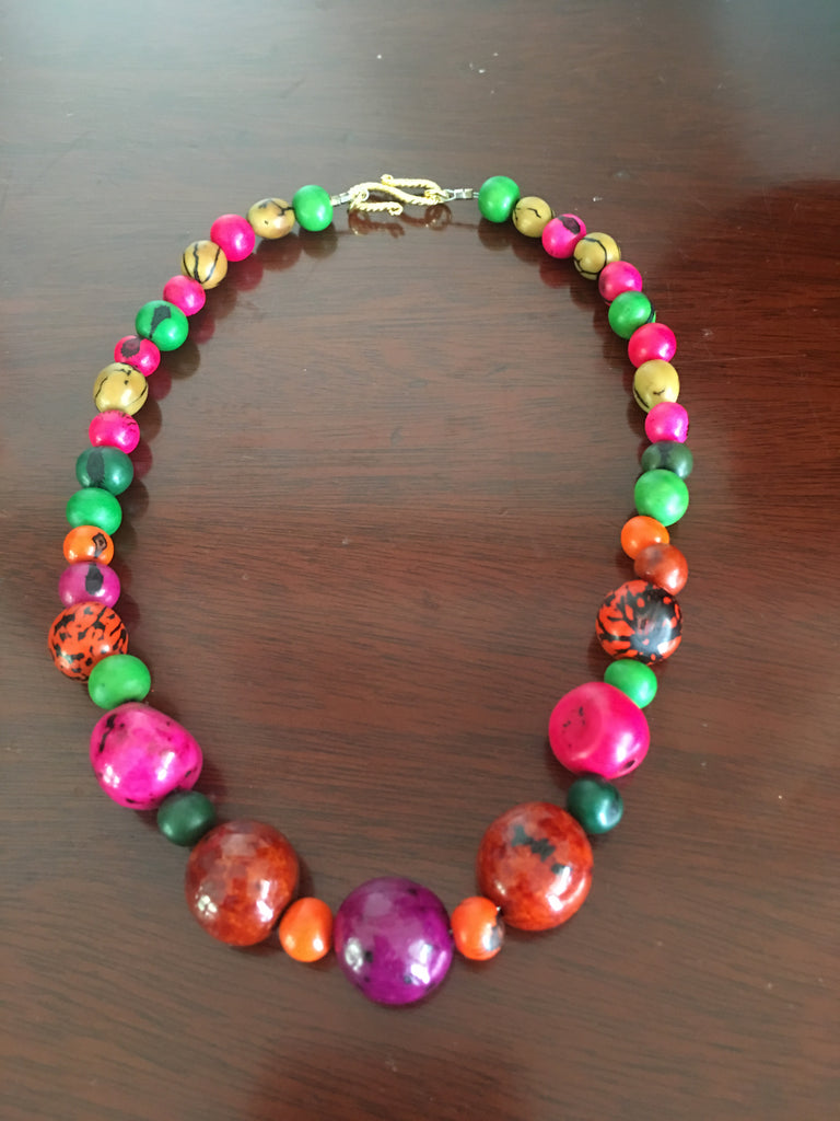 Tague Nuts Necklace with Multicolored Beads