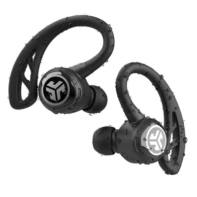 Close-up de preto Epic Air Sport True Wireless Fones de ouvido com gotas de água