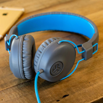 Studio On-Ear Headphones 青色の