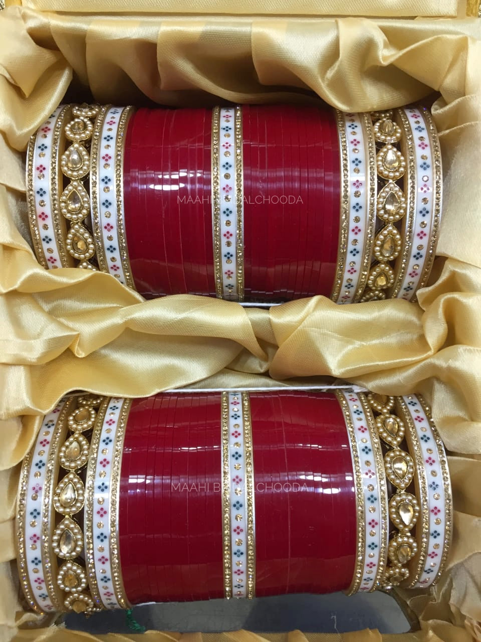 Maahi Exclusive Kundan Chura - 050