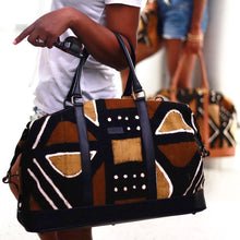 Load image into Gallery viewer, Ivory. B front: Bamako Weekender Traditional