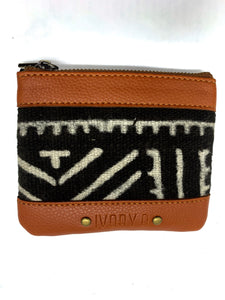 The Fitini Pouch Brown Saw