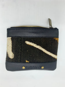 Ivory. B front: The Fitini Pouch Black TW