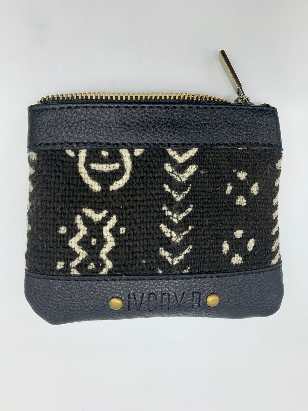 The Fitini Pouch Black Arow D