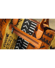 Load image into Gallery viewer, Niamey Weekender Bag  Brown Arrow (Medium)