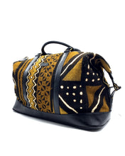 Load image into Gallery viewer, Ivory. B front/side: Bamako Traveler Noir Trad ZL