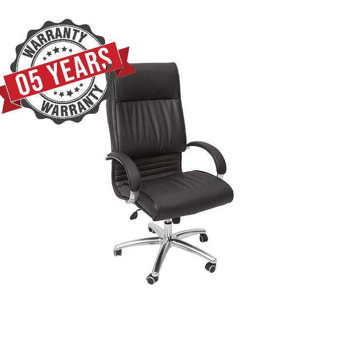 Classic Large Executive Chair With Ample Proportions