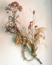 Load image into Gallery viewer, Dried Floral Sculpture