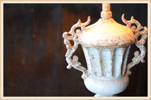Load image into Gallery viewer, Iron Urn Lamp