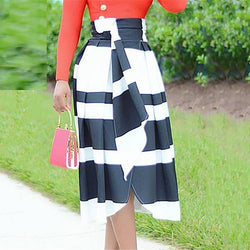 Fashionable Black And White Striped Half Length Skirt