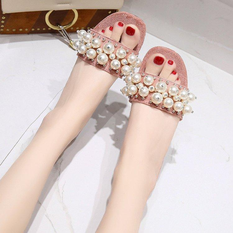 New Women Pearl Beach Shoes Flat Woman Sandals Summer 2019 Woman Shoes Lady Fashion Slippers Luxury Shoe Women Designers Slipper