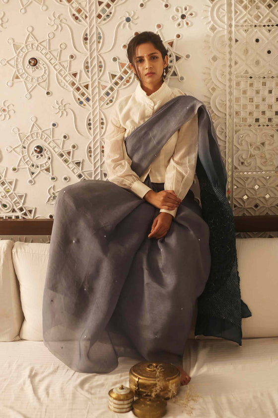 Grey Organza Saree with Pattern on Pallu