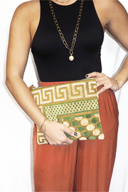Elina Clutch in Olive