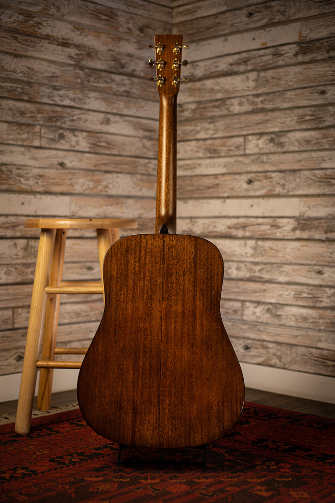 Martin D-18 Modern Deluxe Acoustic Guitar - Natural