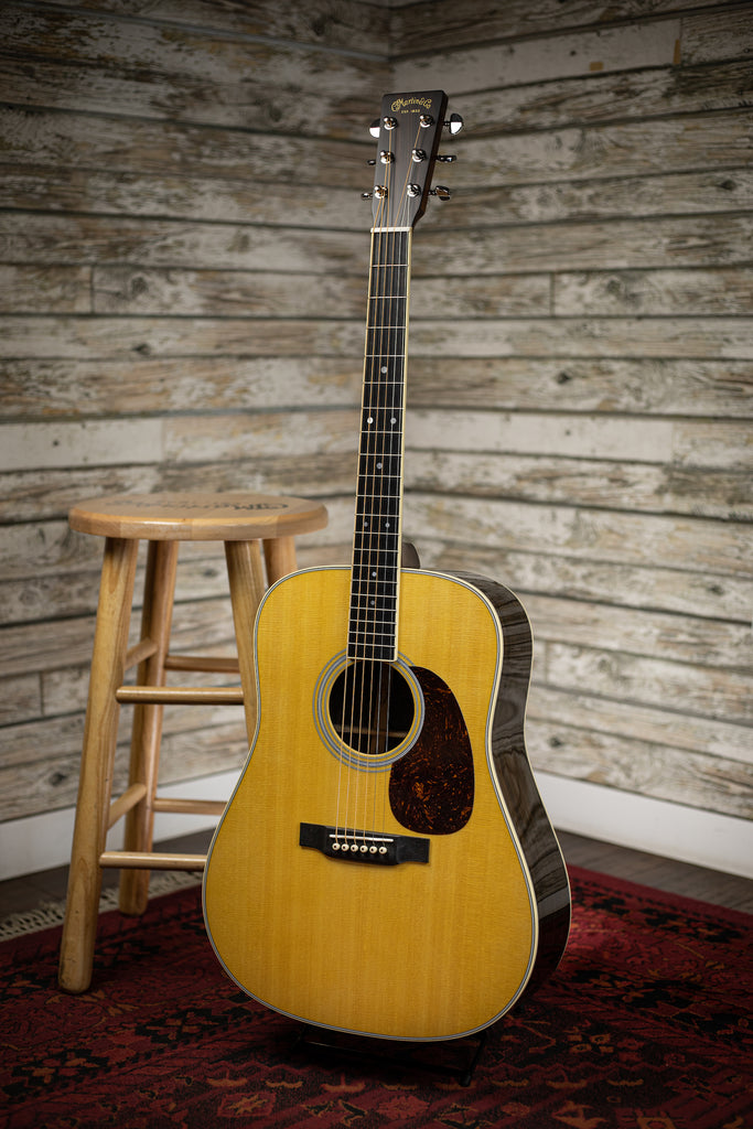 Martin D-35 Dreadnought Acoustic Guitar - Natural