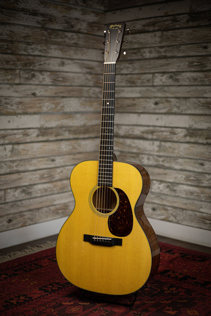 Martin 000-18 Acoustic Guitar - Natural Sitka Spruce