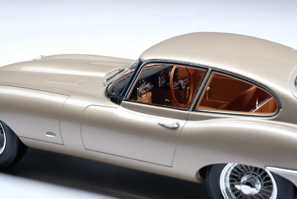 Amalgam Collection - Jaguar E-Type Coupe Road & Track 1:18 Scale - Walt Grace Vintage