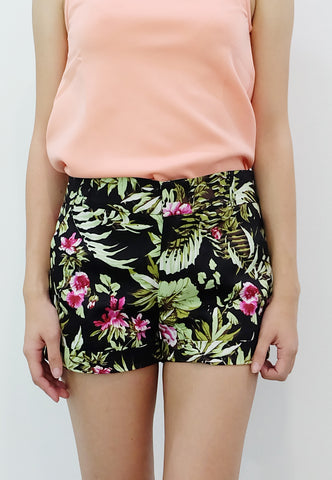 Floral Walking Shorts (Black) - TM