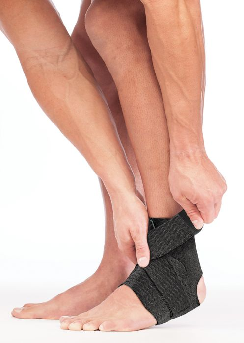 Mueller® Green Adjustable Ankle Support