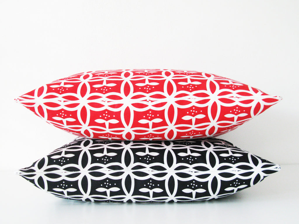 Appelbloom small - pillowcase 48x48  - in Black and Red